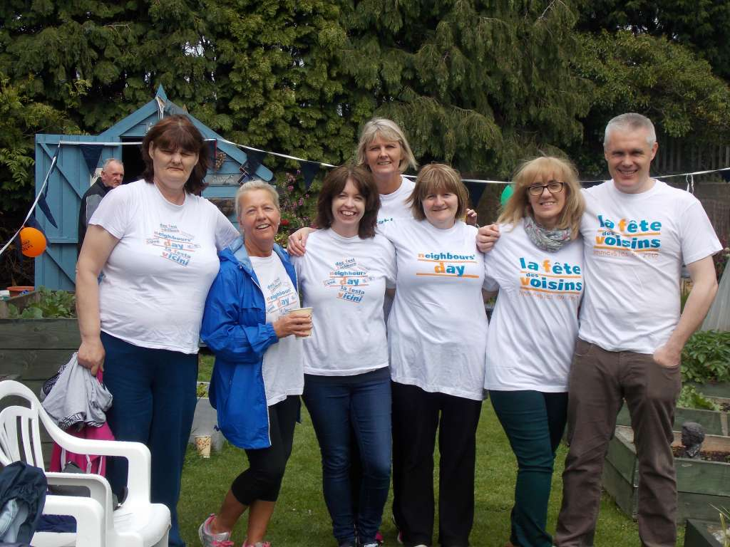 Allottments at Airmount on Neighbours Day 2017 (13)